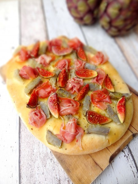 Foccacia artichaut figues jambon cru