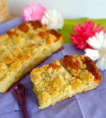Gâteau aux amandes et rhubarbe