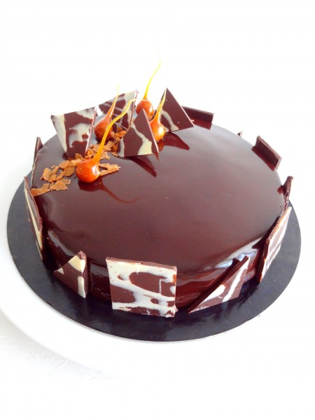 Royal au chocolat et son gla age miroir au cacao cap p tisserie - Decoration gateau glacage royal ...