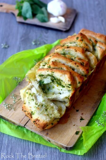 Pull appart garlic bread