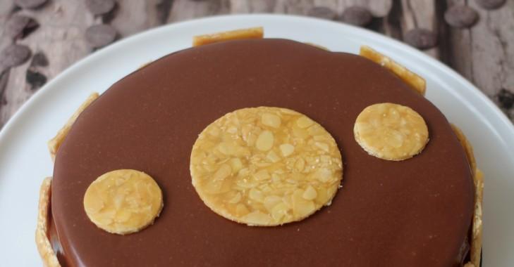 Entremets chocolat, insert au caramel au beurre salé