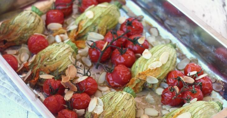 Fleurs de courgettes farcies à la brousse et aux tomates séchées