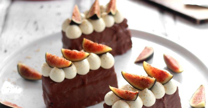 Finger aux figues et pain d'épices enrobé de chocolat, ganache montée à la fève tonka + Partenariat de folie