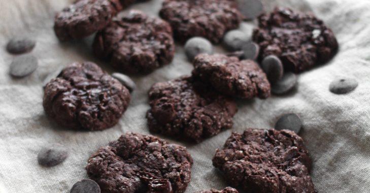 Cookies végétaliens doublement chocolatés