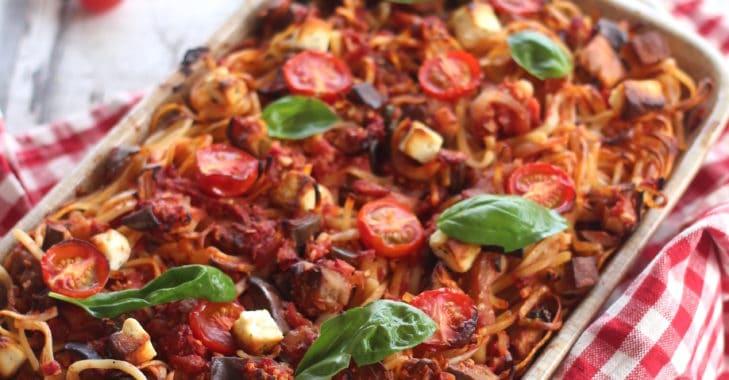 Gâteau de spaghetti aux aubergines et à la Feta
