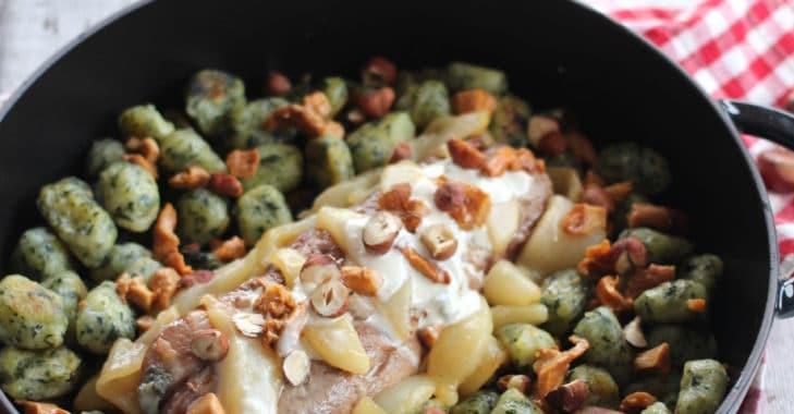 Filet mignon farci au roquefort, poires, girolles et Merda de Can