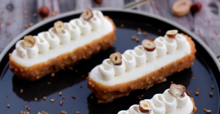 Finger aux noisettes, caramel et ganache montée à la vanille